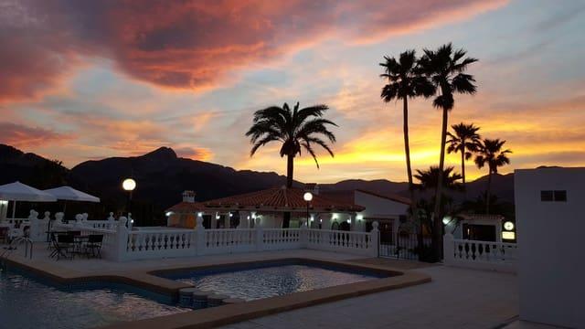 1 soveværelse Erhverv til salg i Denia med swimmingpool - € 495.000 (Ref: 5256014)