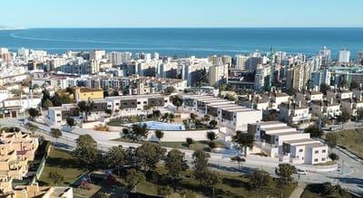 Adosado de 3 habitaciones en Torre del Mar en venta con piscina - 260.000 € (Ref: 5337206)