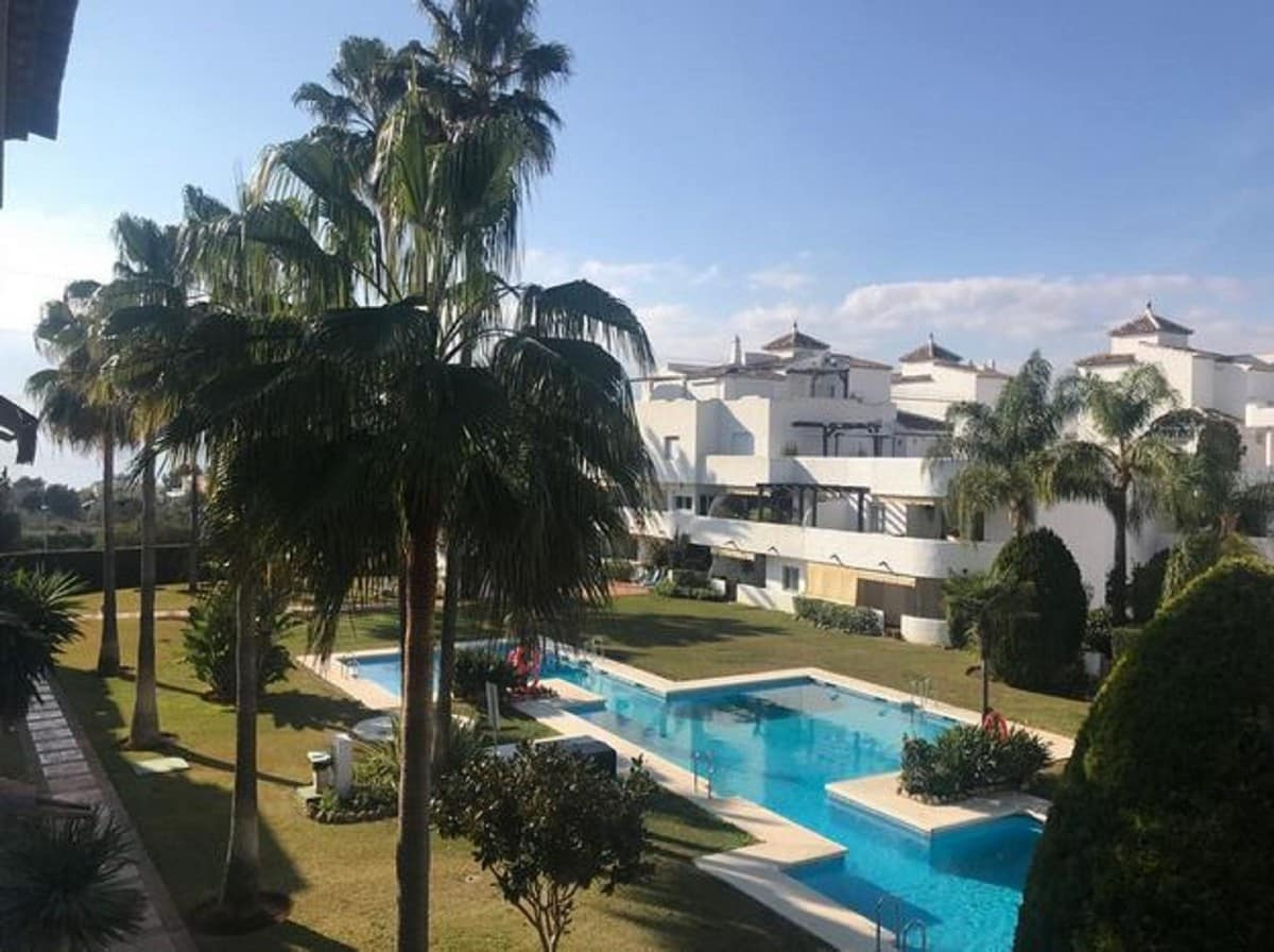 2 bedroom Apartment for sale in Marbella - € 250,000 (Ref: 4598155)