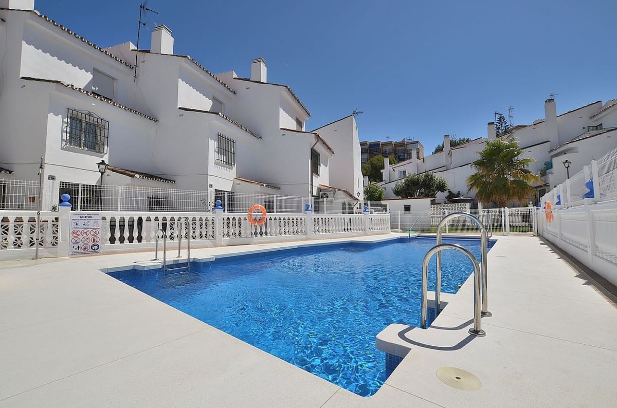 3 bedroom Townhouse for sale in Torremolinos with pool - € 225,000 (Ref: 4733613)