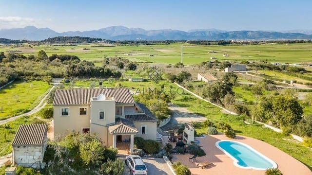 5 bedroom Finca/Country House for sale in Muro with pool garage - € 975,000 (Ref: 4183917)