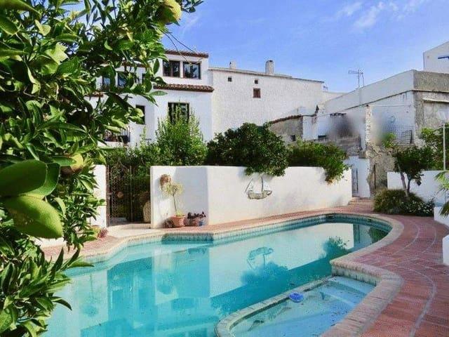 Adosado de 3 habitaciones en Orgiva en venta con piscina - 220.000 € (Ref: 3776046)