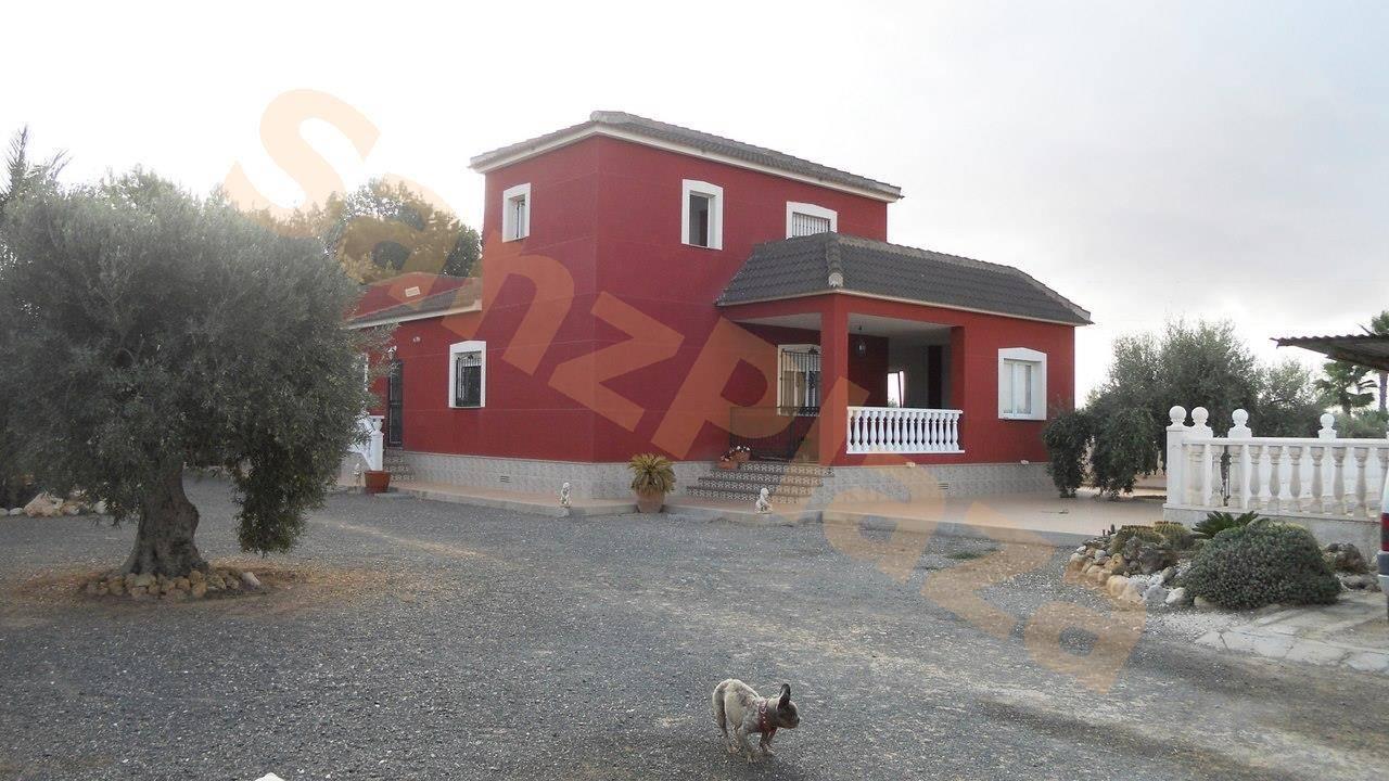 Casa de 4 habitaciones en Los Montesinos en venta con piscina - 425.000 € (Ref: 3592550)