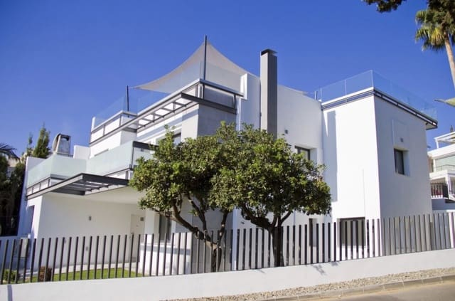7 makuuhuone Huvila myytävänä paikassa Guadalmina mukana uima-altaan  autotalli - 1 350 000 € (Ref: 4890169)