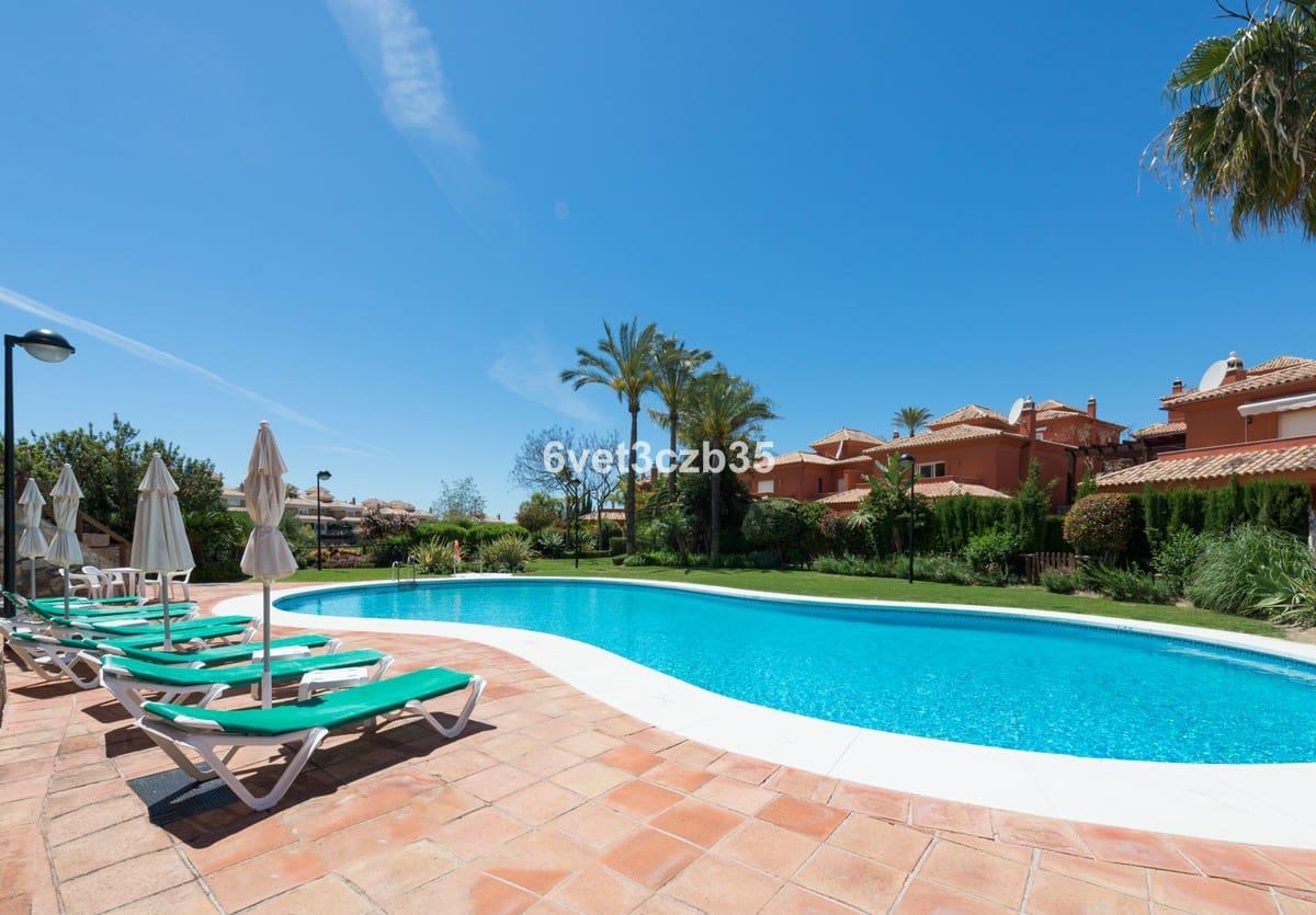 3 bedroom Villa for sale in Marbella with pool - € 540,000 (Ref: 5162330)