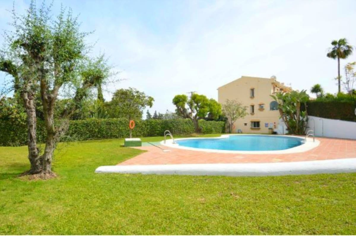 3 bedroom Townhouse for sale in Marbella with pool garage - € 274,000 (Ref: 5175346)