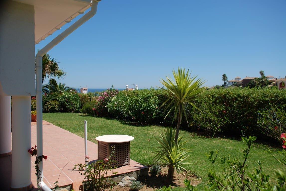 2 chambre Bungalow à vendre à Estepona - 380 000 € (Ref: 5409272)