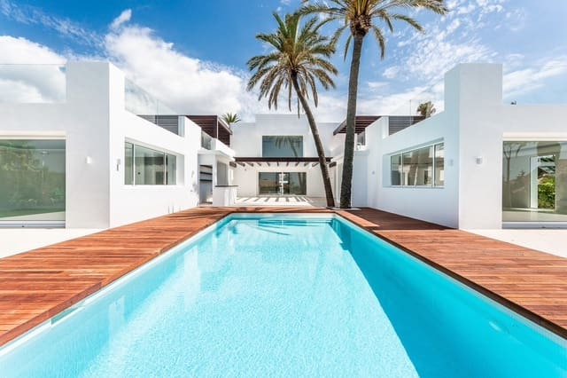 7 makuuhuone Huvila myytävänä paikassa El Rosario mukana uima-altaan  autotalli - 4 250 000 € (Ref: 6083211)