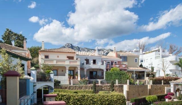 6 quarto Casa em Banda para venda em Golden Mile com piscina garagem - 795 000 € (Ref: 6094165)