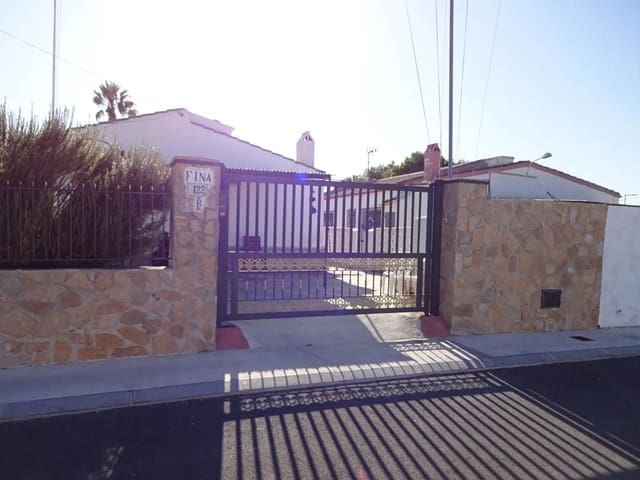 4 slaapkamer Villa te huur in San Fulgencio met zwembad garage - € 850 (Ref: 5576886)