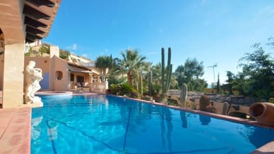 4 bedroom Villa for sale in Coveta Fuma with pool garage - € 580,000 (Ref: 5283812)