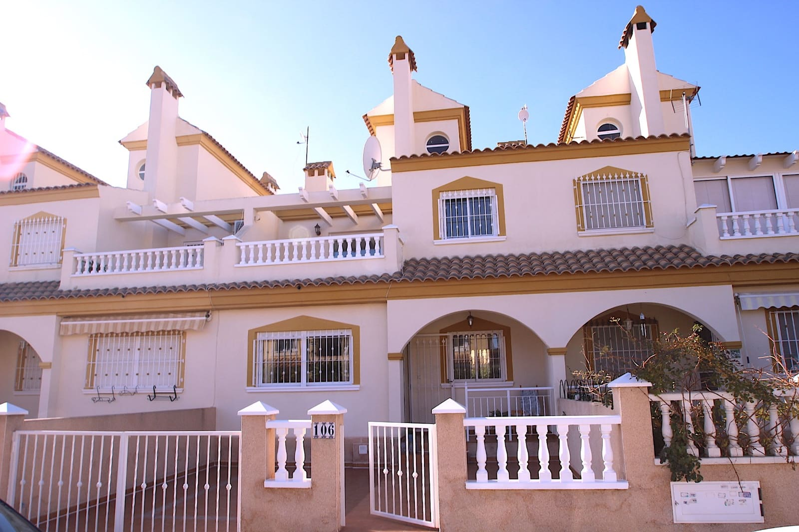 Casa de 3 habitaciones en Playa Flamenca en venta con piscina garaje - 149.000 € (Ref: 4919471)