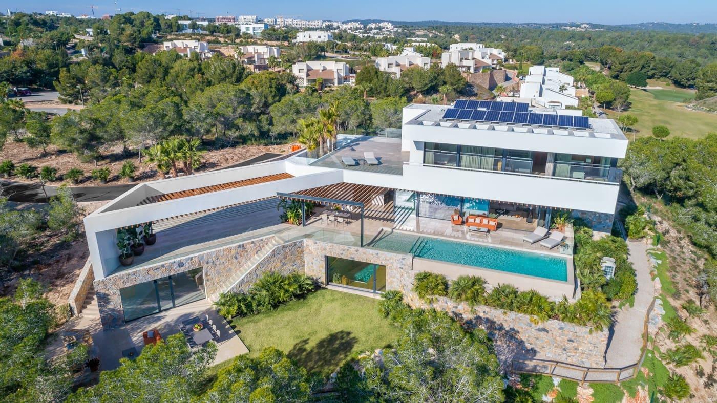 Chalet de 4 habitaciones en Las Colinas Golf en venta con piscina garaje - 3.300.000 € (Ref: 5075894)
