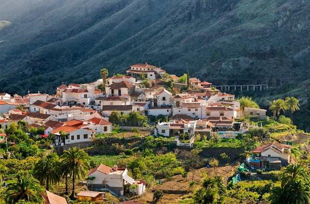 Casa De 4 Habitaciones En Fataga En Venta Con Piscina 489 000