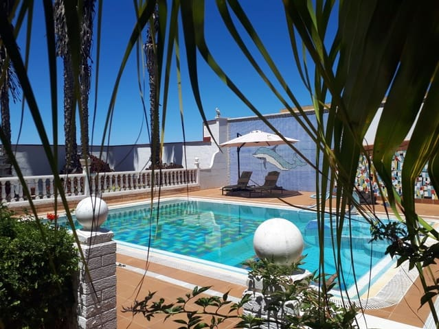 3 bedroom Villa for sale in Santa Maria de Guia de Gran Canaria with pool garage - € 1,300,000 (Ref: 5542589)