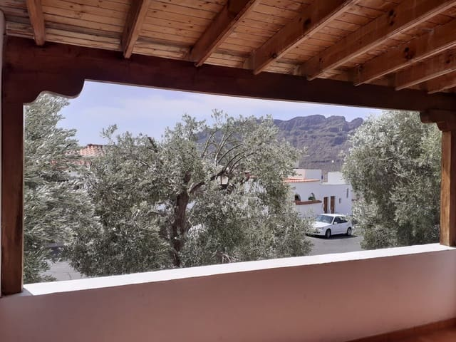 3 sovrum Semi-fristående Villa till salu i Santa Lucia de Tirajana med garage - 169 000 € (Ref: 5553612)