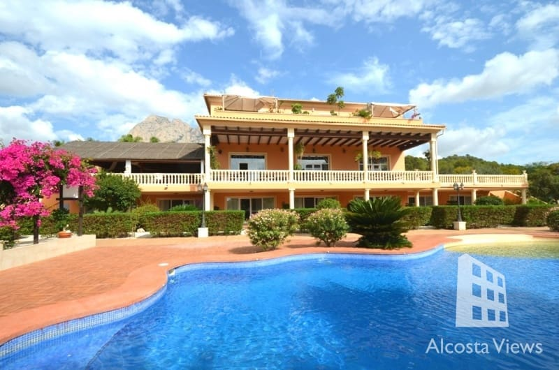 12 bedroom Commercial for sale in Finestrat with pool - € 2,100,000 (Ref: 4922141)