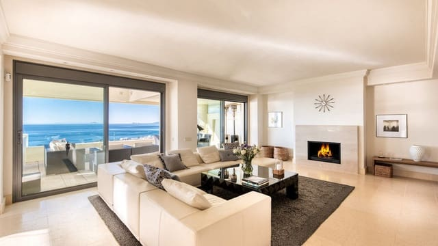 4 bedroom Penthouse for sale in Los Monteros with pool - € 1,300,000 (Ref: 5911139)