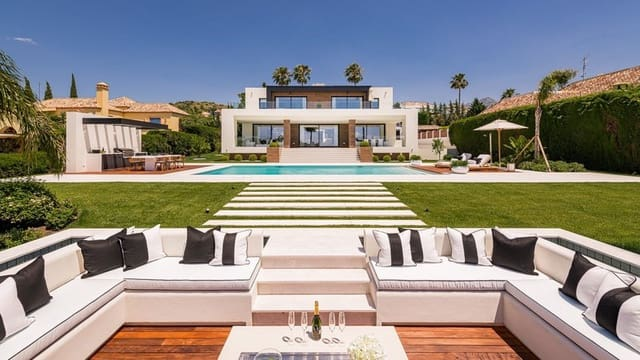 7 bedroom Villa for sale in Nueva Andalucia with pool - € 4,995,000 (Ref: 5911390)