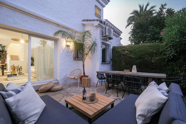 4 bedroom Townhouse for sale in Nueva Andalucia with pool - € 499,000 (Ref: 5911490)