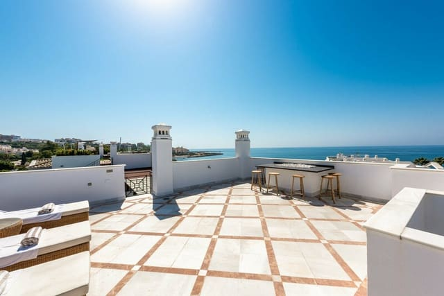 3 bedroom Penthouse for sale in New Golden Mile with pool - € 1,690,000 (Ref: 6137218)