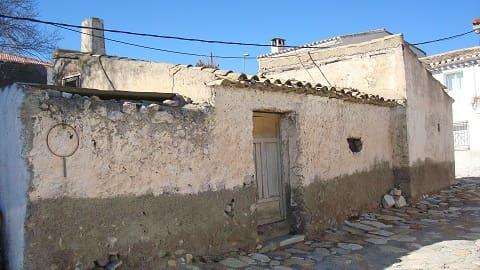 Ruin til salgs i Cela - € 9 000 (Ref: 4222944)