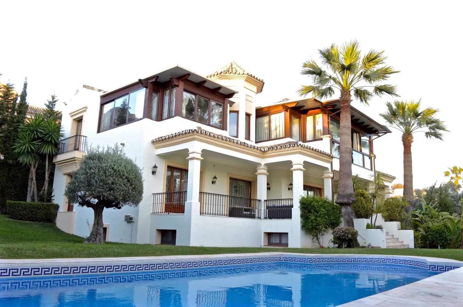 5 bedroom Villa for sale in Marbella with pool garage - € 3,300,000 (Ref: 3477522)