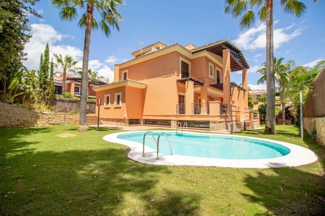 6 sypialnia Willa na kwatery wakacyjne w Los Monteros z basenem garażem - 6 500 € (Ref: 3952802)