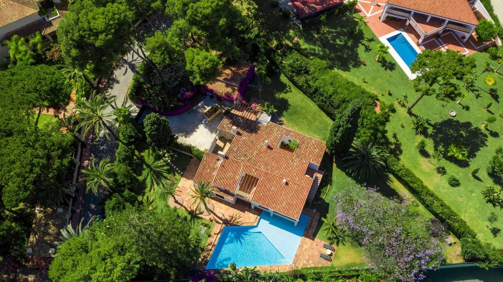 3 bedroom Villa for holiday rental in Los Monteros with pool garage - € 6,500 (Ref: 5346296)