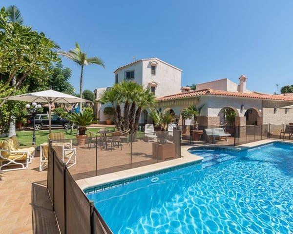 2ea44927a4f0d9 6 bedroom Villa for sale in La Zenia with pool - € 900000 (Ref  4300963)