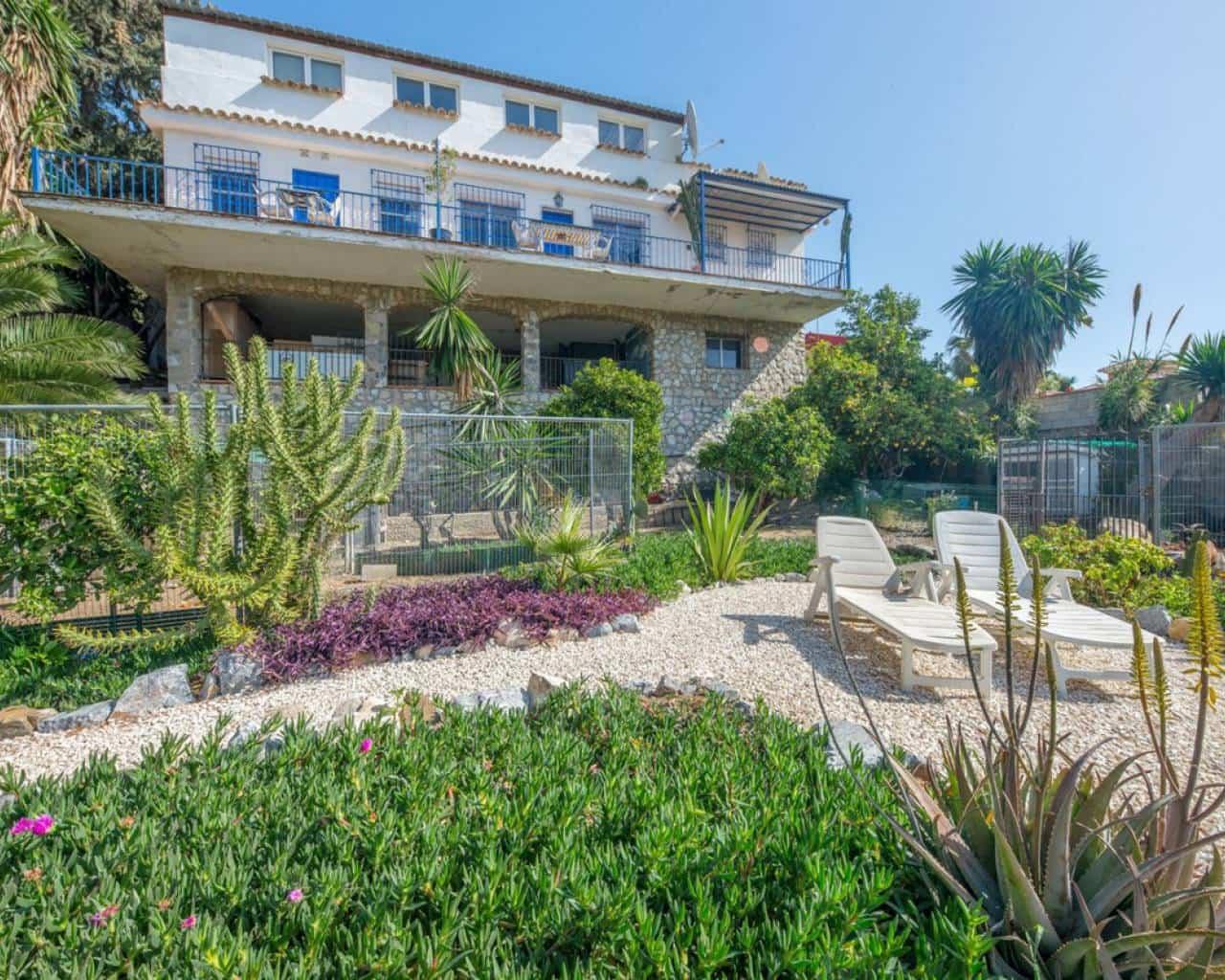 4 bedroom Villa for sale in Torremolinos with pool - € 449,000 (Ref: 4966810)