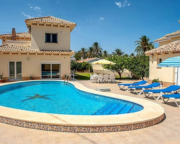 4 bedroom Villa for sale in Cabo Roig with pool garage - € 1,100,000 (Ref: 5716648)
