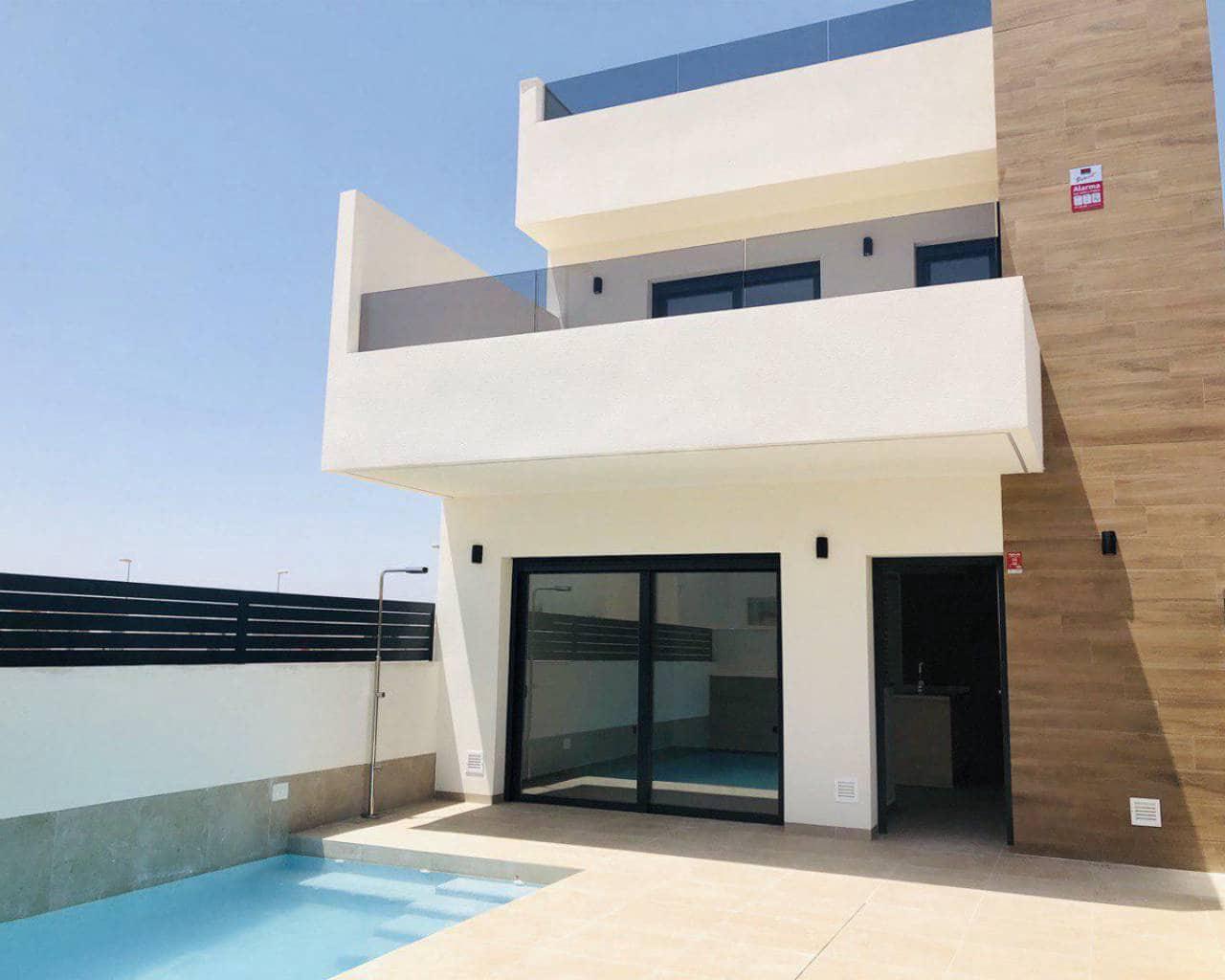3 bedroom Villa for sale in Benijofar with pool - € 225,000 (Ref: 5750338)