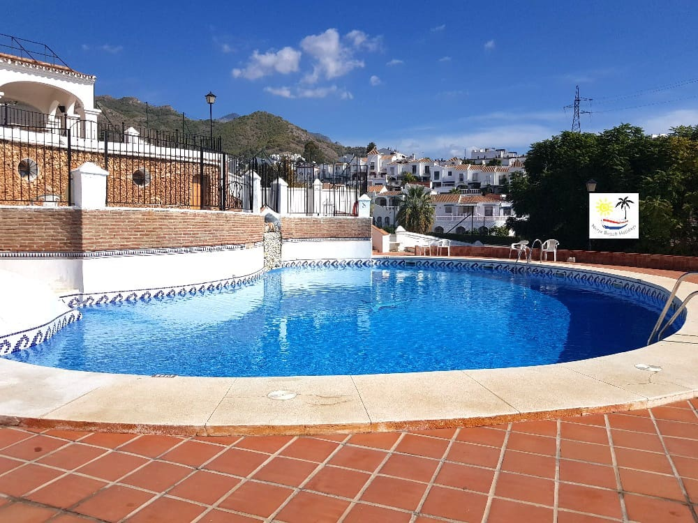 3 bedroom Townhouse for holiday rental in Nerja with pool - € 305 (Ref: 5033935)