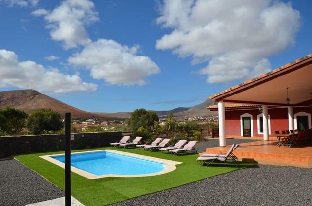 4 sovrum Villa till salu i Tetir med pool - 500 000 € (Ref: 3960305)