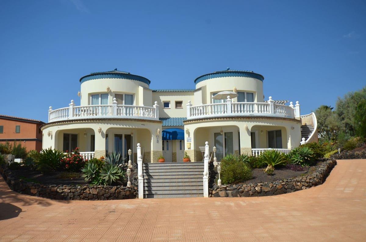 6 soverom Villa til salgs i Parque Holandes - € 595 000 (Ref: 3996580)