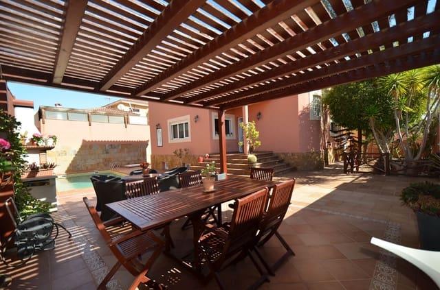 6 soveværelse Villa til salg i Puerto del Rosario med swimmingpool garage - € 590.000 (Ref: 5899498)