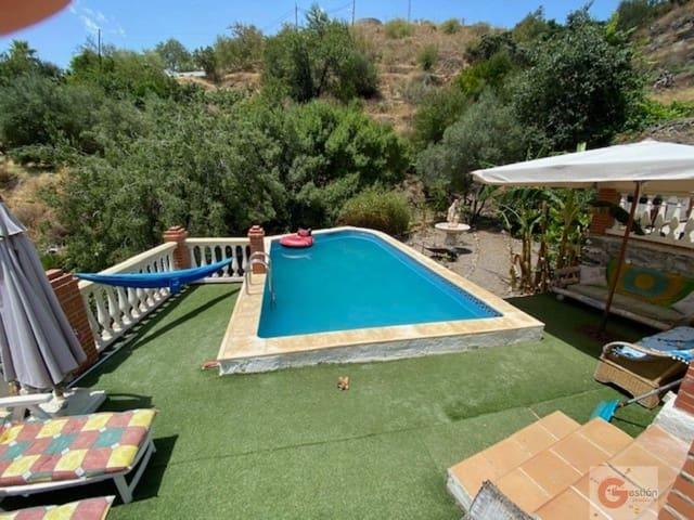 3 slaapkamer Finca/Landhuis te huur in Almunecar met zwembad garage - € 750 (Ref: 5445667)