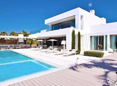 5 bedroom Studio for sale in Los Monteros with pool - € 7,900,000 (Ref: 3816325)