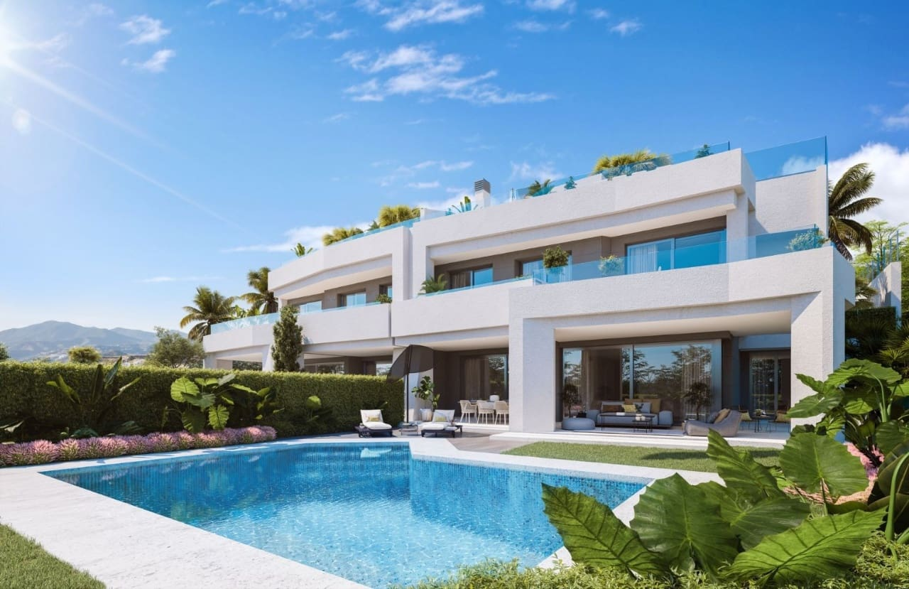 4 bedroom Townhouse for sale in Marbella with pool - € 1,025,000 (Ref: 4701305)