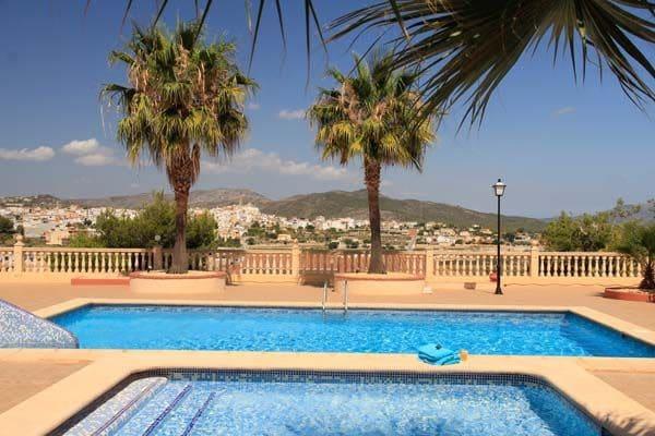 2 slaapkamer Halfvrijstaande villa te huur in Benitachell / Benitatxell met zwembad - € 650 (Ref: 4012004)