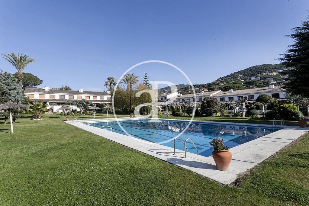 4 slaapkamer Villa te huur in Cabrils met zwembad garage - € 2.300 (Ref: 5301092)