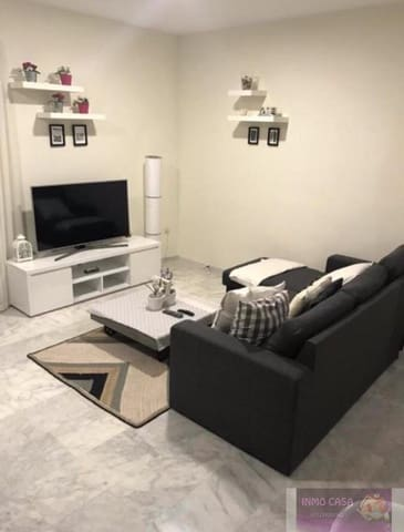 2 slaapkamer Flat te huur in Bahia Dorada met zwembad - € 650 (Ref: 5549048)