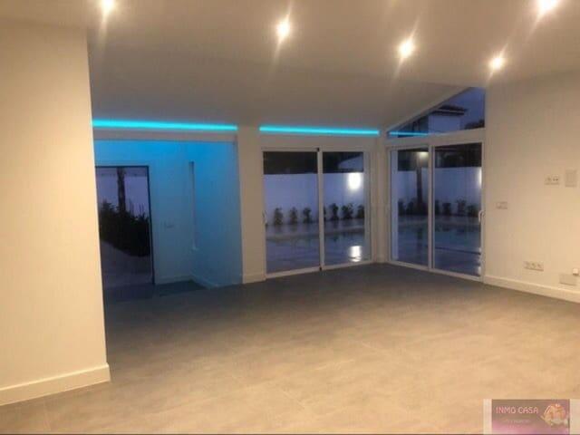 3 soverom Villa til leie i San Pedro de Alcantara med svømmebasseng - € 3 500 (Ref: 5961514)