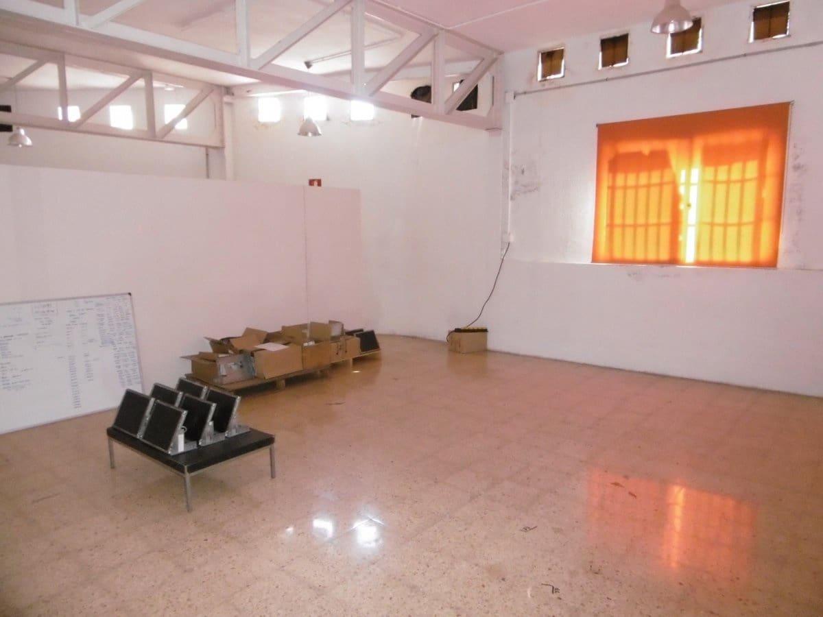Kommersiell til leie i Valencia by - € 2 500 (Ref: 5054216)
