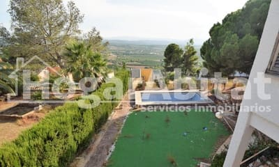 5 bedroom Villa for sale in Calicanto with pool garage - € 235,000 (Ref: 5442146)