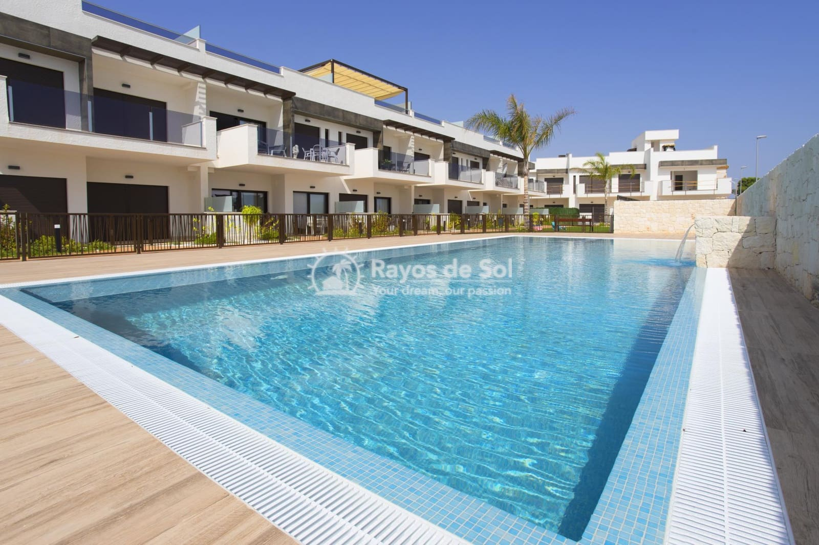 2 bedroom Apartment for sale in Los Alcazares with pool - € 159,000 (Ref: 3849972)