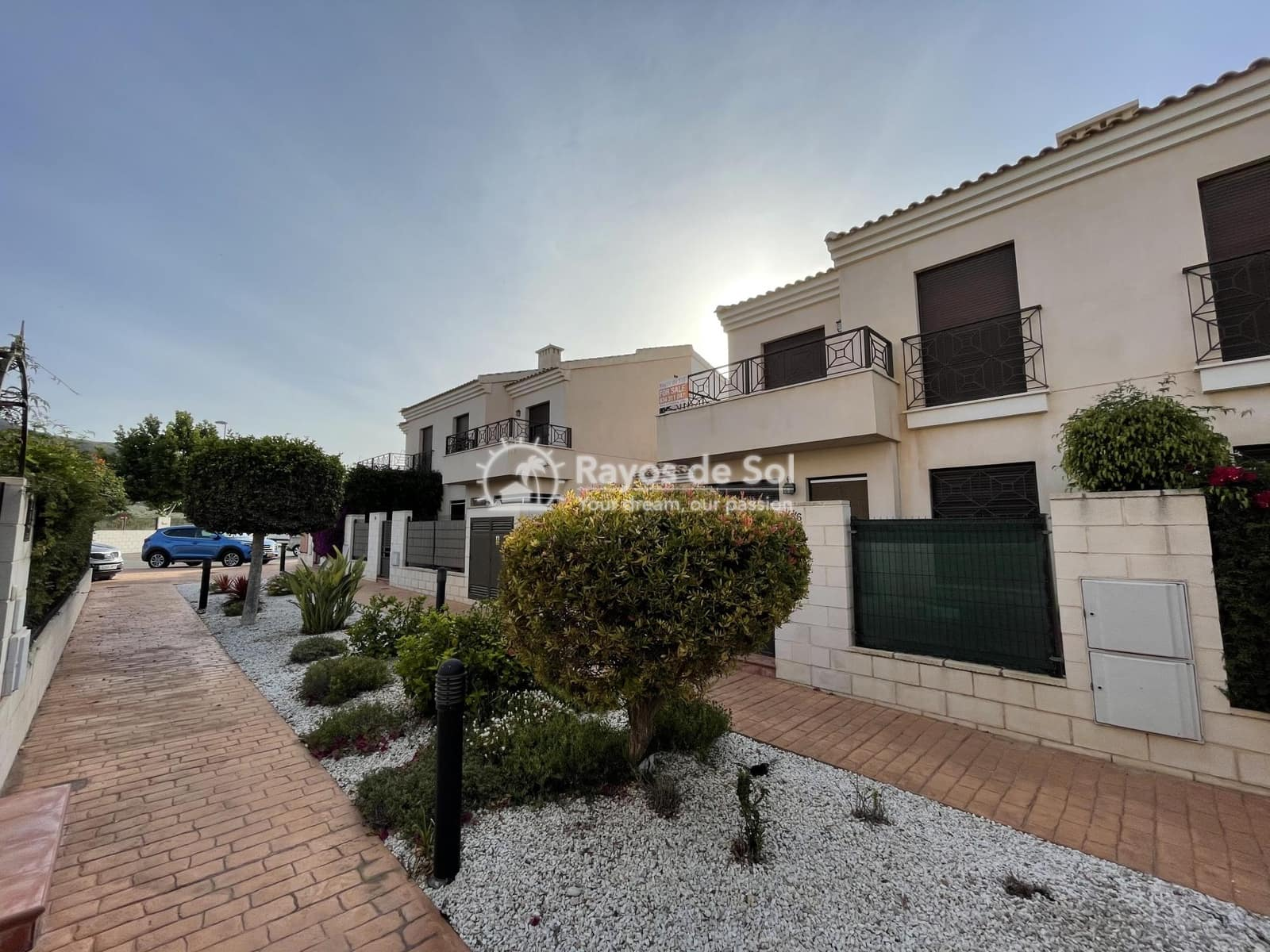 3 bedroom Townhouse for sale in San Cayetano with pool - € 115,000 (Ref: 6099183)