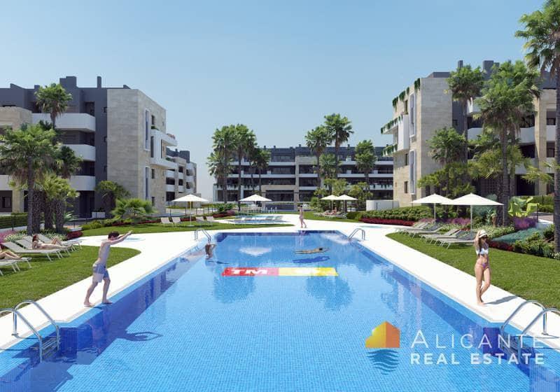Ático de 3 habitaciones en Playa Flamenca en venta con piscina - 320.000 € (Ref: 5029943)