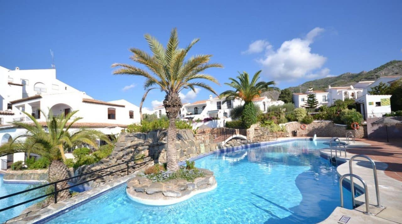 1 bedroom Apartment for sale in Nerja with pool - € 153,000 (Ref: 4630121)
